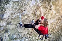 Tomáš Binter se věnuje horolezectví od 15 let. Získal několik zlatých medailí z Českého poháru v lezení na obtížnost