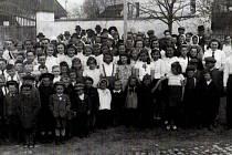 Kuratorium pro výchovu mládeže v Čechách a na Moravě. Nacistická propaganda, působení na výchovu mládeže a ovlivňování školních osnov se nevyhnulo ani Příšovským.