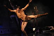 Spartakus, který přibližuje povstání otroků v roce 71 př. n. l., měl v Plzni premiéru 15. listopadu 2014. V hlavní roli se střídají Richard Ševčík (na snímku) a Petr Hos.