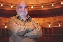 JEVHEN ŠOKALO, sólista opery Divadla J. K. Tyla v Plzni, se narodil na Ukrajině a  několik let tam také působil.