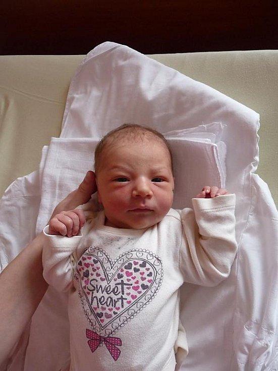 Eliška (3,99 kg, 50 cm) se narodila 1. března v 9:17 ve FN v Plzni. Na světě ji přivítali rodiče Petra a Zdeněk Pechmanovi ze Zruče. Doma se na sestřičku těší Kubík (5,5).