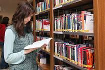Ve Studijní a vědecké knihovně v Plzni mohou čtenáři nově využít volného výběru