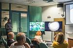 Živý přenos operace kyčelního kloubu ve Fakultní nemocnici na Lochotíně.