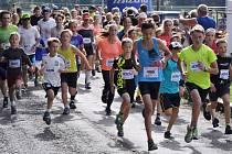 Stále populárnější Barokomaraton přitáhl letos do Plas přes jedenáct set běžců všech věkových kategorií