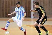 Do listiny střelců se v utkání proti Mýtu zapsal i kapitán Tomáš Vnuk (vlevo).