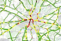 Západočeská metropole a její okolí hraje na mapě z roku 2016 všemi barvami. Ve městě vidíte jednak nebezpečné červené a černě zvýrazněné  úseky silnic I/27 a I/26, ale také několik zelených, které jsou nejméně rizikové