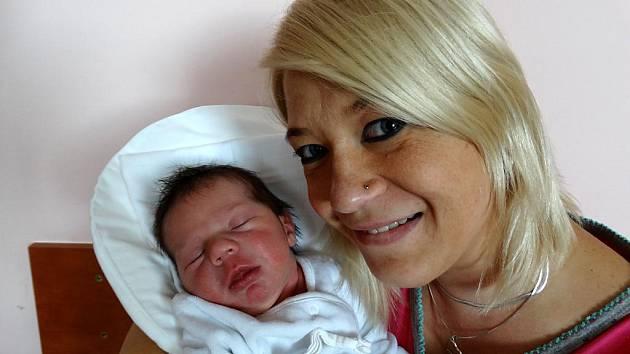 Nelinka Čermáková se narodila mamince Lucce a tatínkovi Petrovi 21. srpna v 9:52. Doma v Plzni se už na sestřičku, která po porodu vážila 3 760 gramů a měřila 50 cm, těší tříletý Vojtíšek