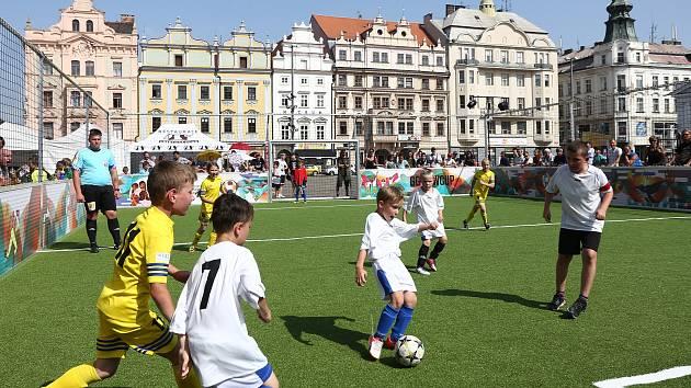 Mobilní hřiště na náměstí Republiky v Plzni