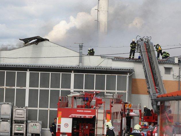 Požár haly v Plzni-Radčicích