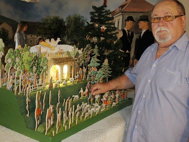 Život na Ústeckoorlicku a stejnojmenný betlém inspiroval Stanislava Kulhánka k výrobě vlastního betlému