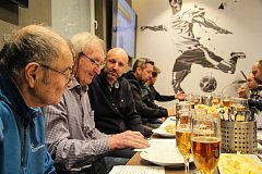 V Doosan Areně se uskutečnil premiérový pivní souboj podle předlohy slavné Ligy mistrů.