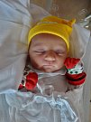 Anna Broučková se narodila 23. října ve 23:24 mamince Anetě a tatínkovi Milanovi z Plzně. Po příchodu na svět v plzeňské FN vážila sestřička tříleté Julinky 3520 gramů a měřila 50 centimetrů