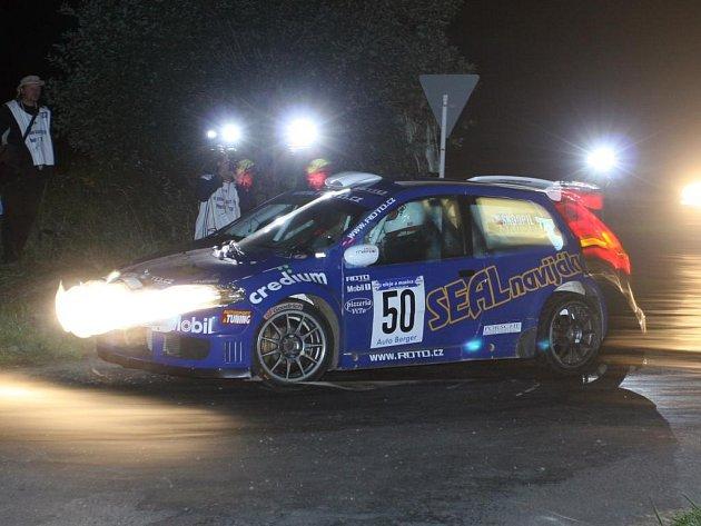 Smolný úvod do sezony měla posádka týmu  ROTO Plzeň Jan Šlehofer – Zbyněk Soběhart. Kvůli zapomenutému jízdnímu výkazu se na start víkendové IQ–Jänner Rallye ve voze Fiat Punto S1600 (na archivním snímku) ani nedostala