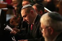 Lidé židovského vyznání podpořili v sobotu v Plzni stovky Plzeňanů. Na konci minulého týdne a během víkendu se konalo několik bohoslužeb.