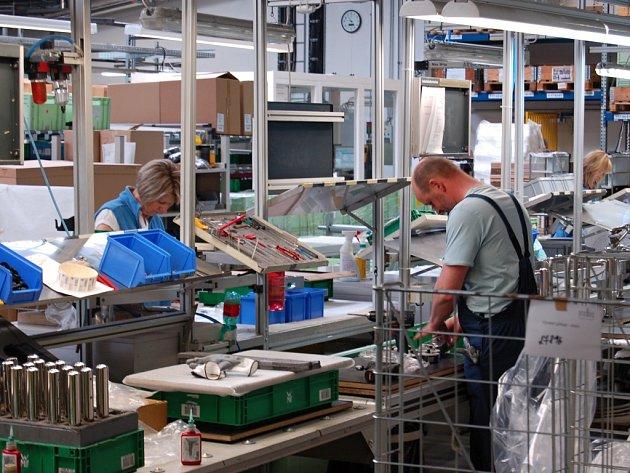 V domažlickém závodě proHeq (CZ) pracuje 140 zaměstnanců. Před deseti lety zahajovala firma provoz s 6 pracovníky.