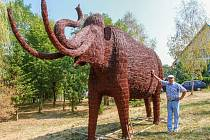 Jaroslav Šefl se svým mamutem