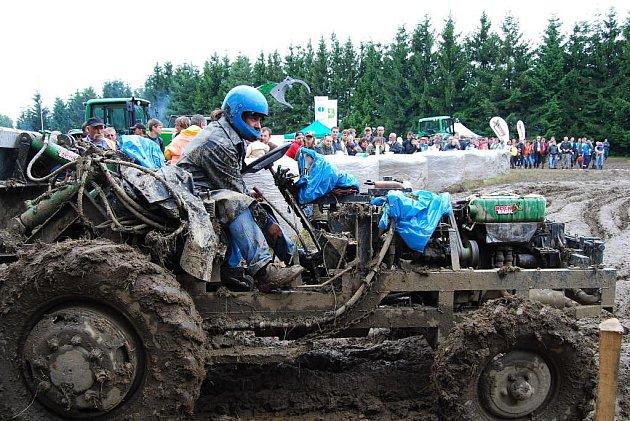 Traktoriáda v Dožicích