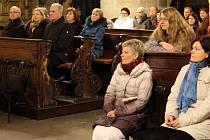 Výrazy díků a obdivu za práci v sociálních službách vyjádřil plzeňský biskup František Radkovský všem, kteří ve čtvrtek přišli do plzeňské katedrály