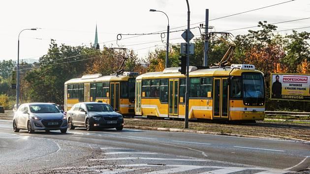 Omezení na křižovatce ulic Karlovarská a Lidická potrvá až do 1. listopadu