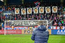 Dojemné loučení plzeňských fanoušků s trenérem Pavlem Vrbou teď zastínil jeho přechod do Sparty.