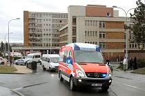 Dalších 18 zraněných francouzských dětí odcestovalo ve středu z Plzně do Prahy na letiště a zpět do Francie