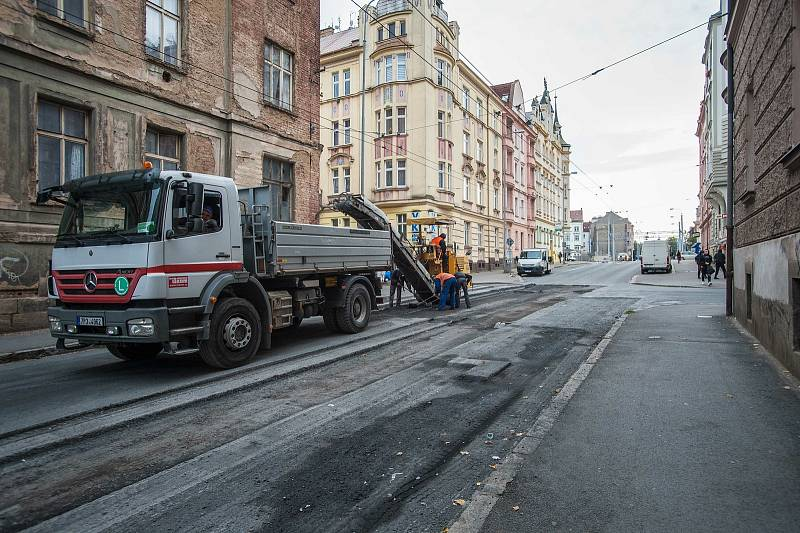 V Bendově ulici v Plzni probíhá oprava křižovatky, ulice je na několik dní uzavřena.