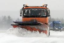 Sníh dělal komplikace i řidičům na silnici I/20 z Plzně do Karlových Varů