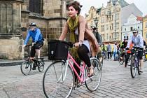 Cyklisté vyrazili z plzeňského náměstí Republiky na protestní jízdu