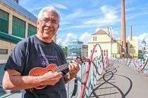 Z Honolulu do Plzně. Kimo Hussey účinkoval na Českém uku-lele festivalu, který odstartoval v pátek v Plzni