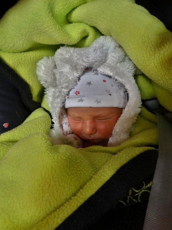 Lukáš Padrta se narodil 17. listopadu ve 12:53 mamince Haně a tatínkovi Tomášovi z Plzně. Po příchodu na svět v plzeňské fakultní nemocnici vážil jejich první syn 3930 gramů a měřil 52 centimetrů.