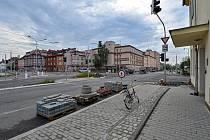 Nová křižovatka u bývalé konečné tramvaje na Borech.