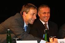 Na středočeském sněmu ODS nepodpořili delegáti ani Pavla Béma, ani Mirka Topolánka, kteří budou příští víkend kandidovat na předsedu strany