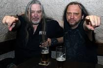 Nové CD s názvem MMXX nahrál kytarista Daniel 'Šakal' Švarc (vpravo) s dlouholetým kamarádem Luďkem 'Mattim' Matějem.