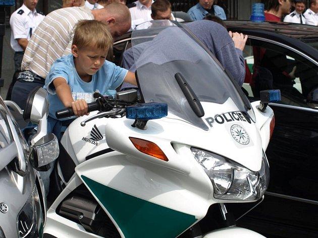Na Dni s policií návštěvníky zaujal vozový park, člun i koně.