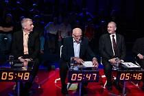 V televizním studiu Č24 se sešlo ve čtvrtek večer k debatě osm lídrů politických stran z našeho kraje