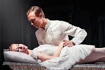 Kristýna Piechaczková jako Růženka a  Grzegorz Mo-łoniewicz v roli Prince v baletu Šípková Růženka