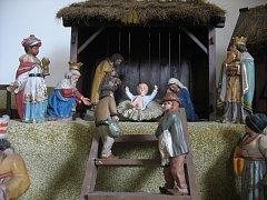Pošumavský betlém vznikl v roce 1936. Na počátku 90. let minulého století se figurky záhadně ztratily. Naštěstí byla většina z nich schovaná u dominikánů.