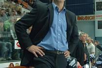 Bývalý vynikající útočník,  mistr světa Jiří Kučera  už  druhou sezonu v řadě táhne  jako  hlavní kouč  tým  Lasselsbergeru Plzeň  hokejovou extraligou
