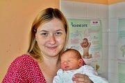 Mikuláš Skuhravý se narodil 8. srpna tři minuty před půlnocí mamince Tereze a tatínkovi Honzovi z Ledců. Po příchodu na svět v rokycanské porodnici vážil bráška osmiletého Štěpána a tříletého Lukáška vážil 3010 gramů a měřil 49 centimetrů