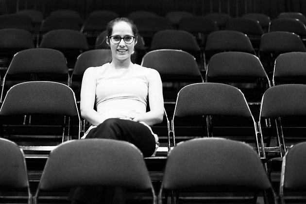 Už vdětství se zamilovala do operety a muzikálu. Vroce 2010absolvovala úspěšně konkurz na roli vmuzikálu Gypsy. Hrála také voperetě Růže zArgentiny nebo vmuzikálu Divá Bára.