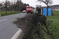Nehoda kamionu u Chocenické Lhoty