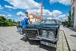 Americké bouráky, krásky a rocker se sešli na nádvoří Plzeňského Prazdroje