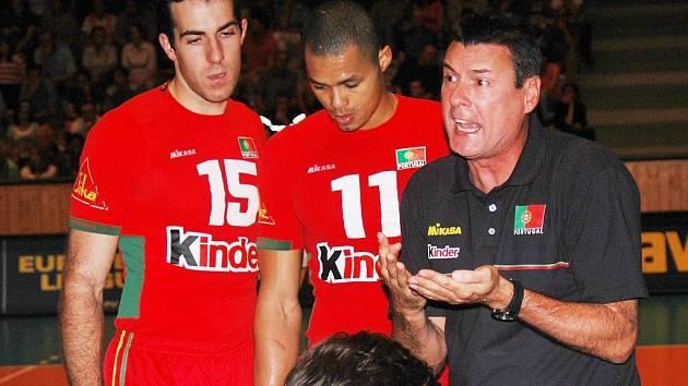 Portugalský kouč měl během utkání svým svěřencům co říct.