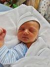 Oliver Híře se narodil 2. listopadu v5:55 mamince Lence a tatínkovi Michalovi zOseku u Rokycan. Po příchodu na svět vplzeňské FN vážil bráška dvouleté Amálky 3100 gramů a měřil 50 cm.