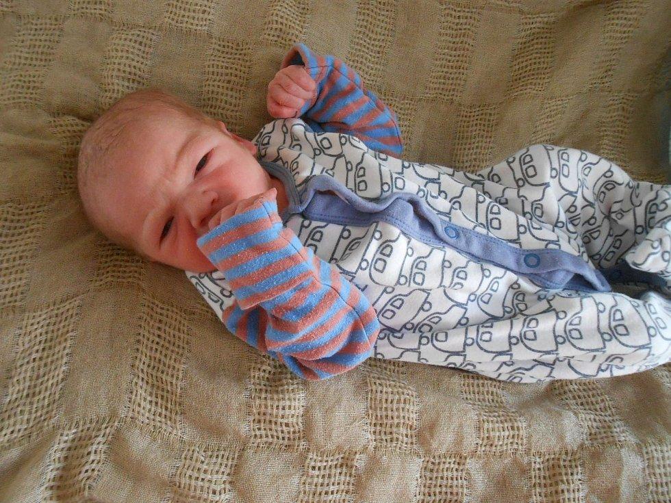 Vojtěch B. se narodil v domažlické porodnici 7. dubna 2021. Při narození vážil 3040 gramů a měřil 50 centimetrů.