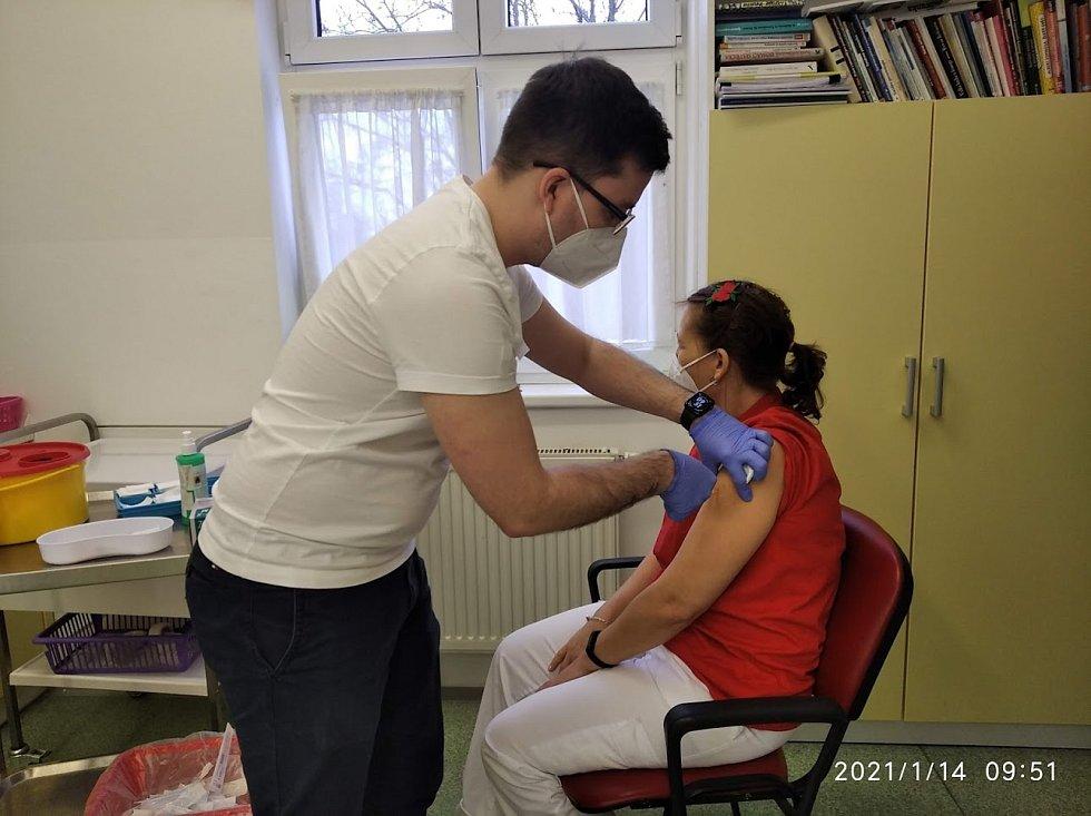Většina zařízení pro seniory v Plzni už má naočkováno, či v nich vakcinace vrcholí.
