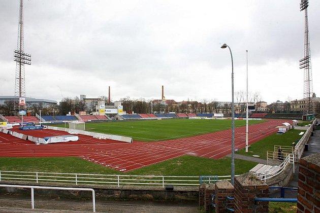 Fotbalový stadion s atletickou dráhou ve Štruncových sadech v Plzni