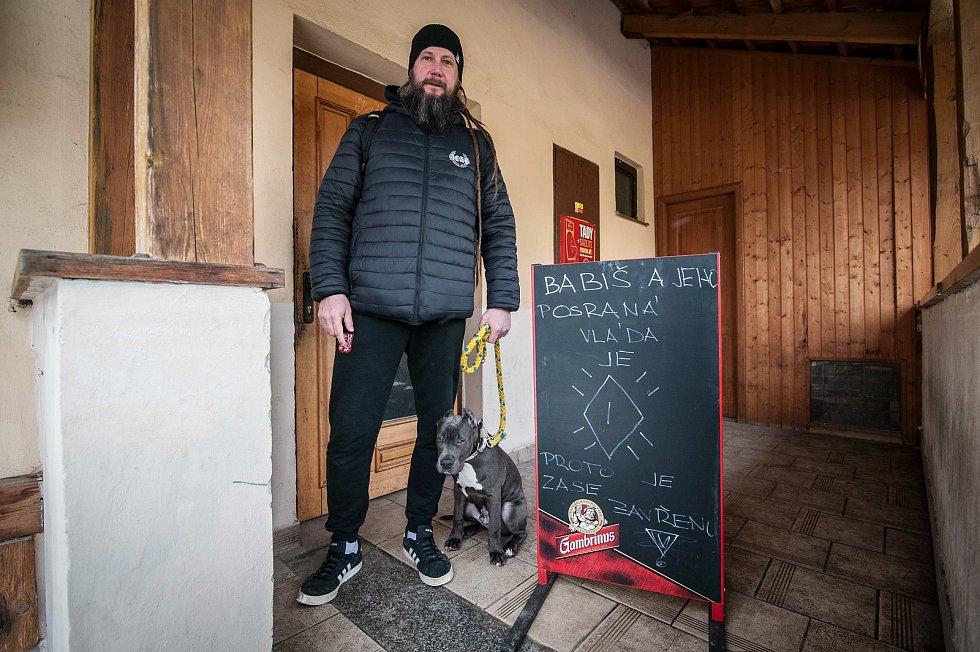 Chotěšov, petiční místo, iniciativa chcípl PES, majitel Tomáš Fiala