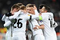 Hráči Viktorie Plzeň se radují ze vstřelené branky