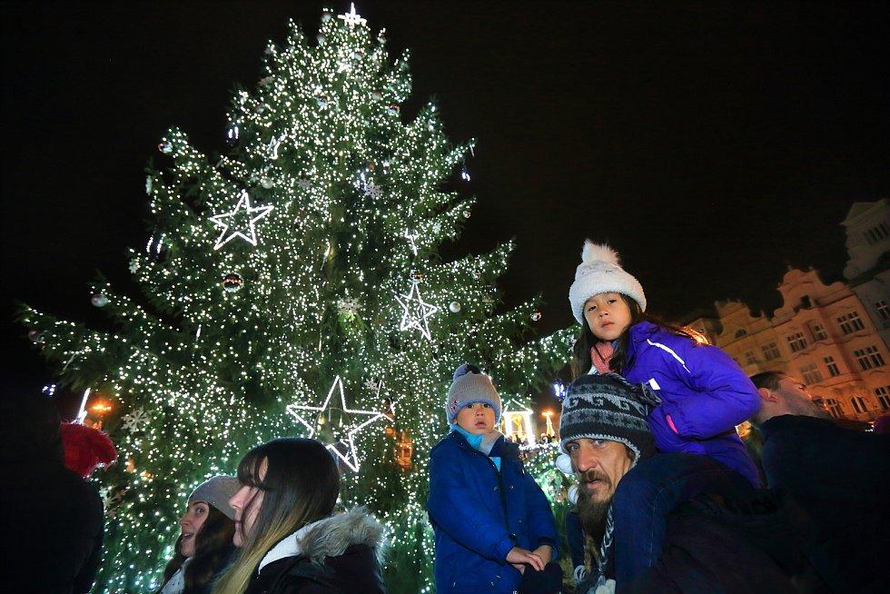 Ilustrační foto: Rozsvícení vánočního stromu v Plzni v roce 2019